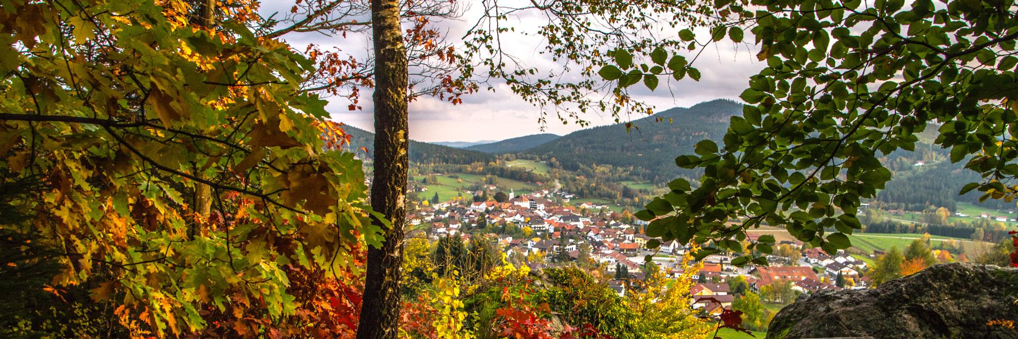 Herbst im Bayerischen Wald - Blick auf Bodenmais